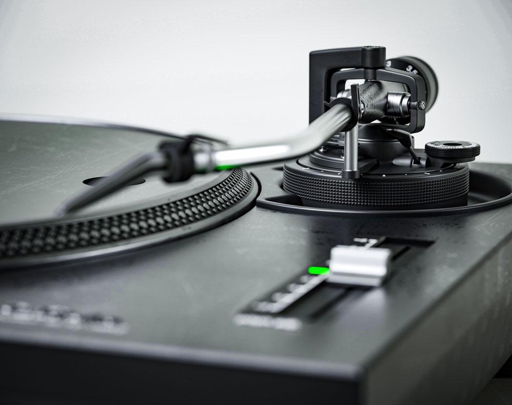 Fotorealistyczna wizualizacja produktowa gramofonu Technics